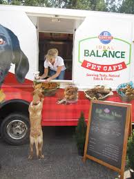 Pet Cafe Food Truck Cruises Over To The San Diego Pet Expo