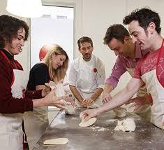 cours de cuisine en atelier à l atelier des chefs