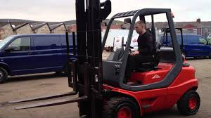 Linde H30 Diesel Forklift Truck - YouTube Forklift Gabelstapler Linde H35t H35 T H 35t 393 2006 For Sale Used Diesel Forklift Linde H70d02 E1x353n00291 Fuchiyama Coltd Reach Forklift Trucks Reset Productivity Benchmarks Maintenance Repair From Material Handling H20 Exterior And Interior In 3d Youtube Hire Series 394 H40h50 Engine Forklift Spare Parts Catalog R16 Reach Electric Truck H50 D Amazing Rc Model At Work Scale 116 Electric Truck E20 E35 R Fork Lift Truck 2014 Parts Manual