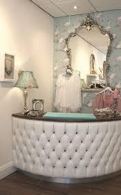 Salon Decor Ideas Images by Best 25 Salon Decorating Ideas On Pinterest Salons Decor Salon