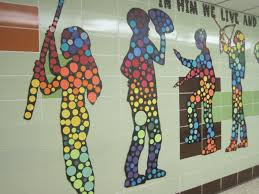 Using Action Silhouettes To Brighten A Hallway