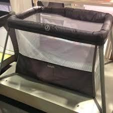 chaise haute autour de b b la chaise haute multipositions zig zag de babyfit par autour de bébé