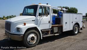 2001 Freightliner FL70 Service Truck | Item DD7869 | SOLD! A...
