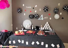 parce qu avoir 4 ans c est un peu magique anniversaire thème