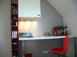 sur le bureau chambre avec bureau chambre enfant avec bureau bureau chambre