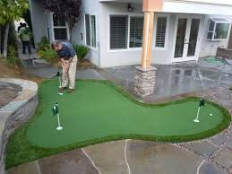 Leading supplier of putting green for backyard office and golf