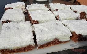 puddingkuchen mit kokos und schlagsahne