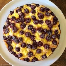 kleckselkuchen mit vanillepudding und kirschen chili und