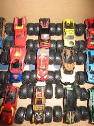 100 Different Trucks 33 Hot Wheels Monster Jam All Large Collection Must