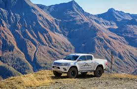 100 Toyota Artic Truck Hilux AT37 Arctic S