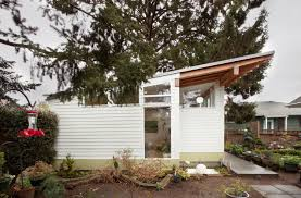 100 Backyard Studio Designs A Tiny In Seattle Filled With Midcentury Finds Dwell