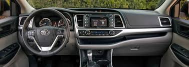 2014 Toyota Highlander Captains Chairs by 2014 Toyota Highlander Le Plus V6 4dr All Wheel Drive Pricing And