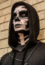 Halloween Half Mask Makeup by Best 25 Halloween Skull Makeup Ideas On Pinterest Halloween