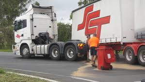 100 Boonah Furniture Court Trailer Detached From Truck On Beaudesert Road At Bromelton