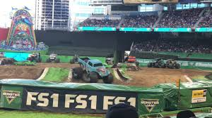 Monster Jam Miami 2018 Whiplash Freestyle Show 2 - YouTube