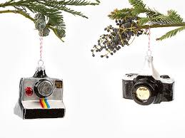 Bling Your Xmas Tree With SLRs And Polaroid Cameras