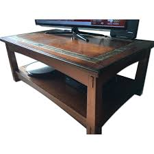 Raymour And Flanigan Living Room Tables by Raymour U0026 Flanigan Stratton Lift Top Coffee Table Aptdeco