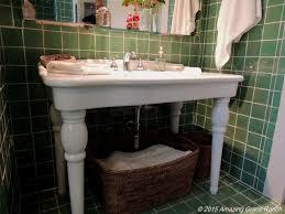 Gerbera Corner Pedestal Sink by Boston Fern