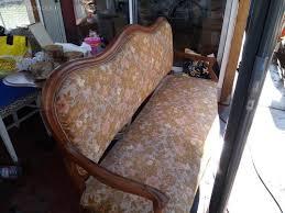 retapisser un canapé ancien canapé à retapisser arles 13200 vente canapé fauteuil