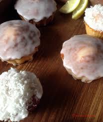 hervé cuisine pate a choux petits cakes au citron douceurs maison