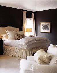 Cream Pleated Bedskirt Design Ideas