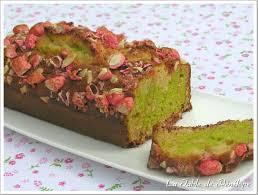 cake a la pate de pistache cake aux pralines roses et à la pistache la table de pénélope