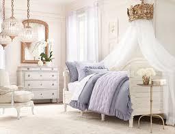 Blending Modern Vintage Bedroom Into Classy