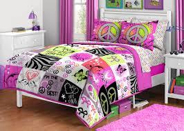 Crib Bedding Set In Tar Tokida for