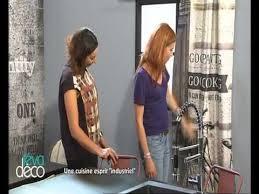 tv dans cuisine emission tv illustrant le travail de soraya deffar dans le cadre de