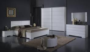 commode chambre adulte design commode design laquée blanche gardian destockage promotions