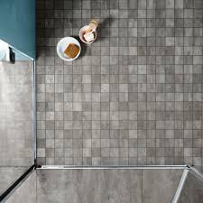 feinsteinzeug mosaik in der dusche bodengleiche dusche