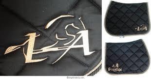 kréa broderie tapis de selle brodé logo loïc arthibus