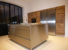 ilot central cuisine contemporaine ilot central inox cuisiniste villeneuves les avignon 84