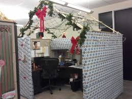 Funny Christmas Cubicle Decorating Ideas by 100 Indoor Christmas Decorations That Are Treat For The Eyes