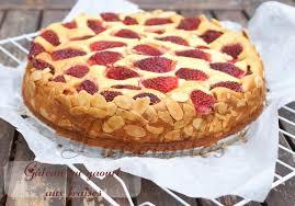 gâteau au yaourt aux fraises amour de cuisine