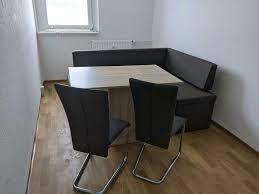 sitzbank mit tisch und stühle in cappuccino