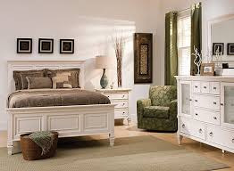 Raymour And Flanigan Furniture Dressers by Somerset 4 Pc Queen Bedroom Set Alabaster Raymour U0026 Flanigan