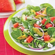cuisiner les avocats salade d avocats melon d eau et feta recettes cuisine et