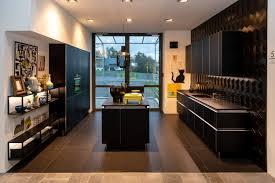 nolte küche schwarz edelstahl optik mit mittelinsel