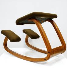 Balans Kneeling Chair Australia by 34 Best Ergonomic Chairs Images On Pinterest Office Chairs