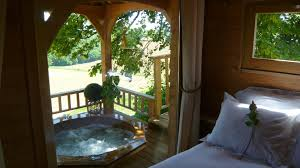 100 Tree Houses With Hot Tubs Romantic House Tub 12 Feet Off The Ground