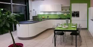 plan de travail cuisine arrondi cuisine avec un plan de travail fin tout en rondeur dans notre