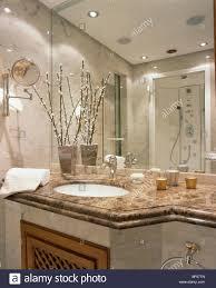 spiegelwand oben unter satz kreisförmige becken in marmor