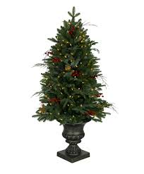 Balsam Hill Fir Artificial Christmas Tree by 29 Best Classic Christmas Trees Images On Pinterest Artificial