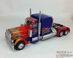100 Optimus Prime Truck Model USD 4484 Deformation Toy King Kong Movie Autobot Level Plating