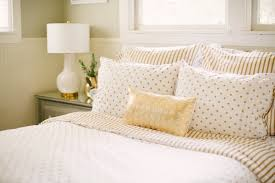 A Southern Lady Gold White Bedding