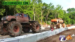 CHEVY Vs DODGE MUD TRUCK TUG OF WAR - YouTube