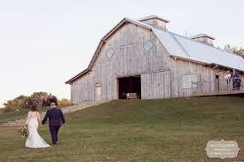 Schwinn Produce Farm Fall Wedding In Leavonworth, KS In October Cj Schwinn Farm Barn Leavenworth Kansas Wedding Jerry Wang Rustic At Produce Katie Kyle The Km City Fall Photographer At Cheerful Anthropologie Ks Tennille Trey