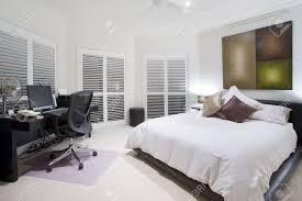büro und spare schlafzimmer in luxus villa
