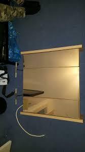 badezimmerschrank zum aufhängen mit licht und steckdose